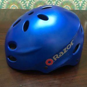 Razor helmet in blue